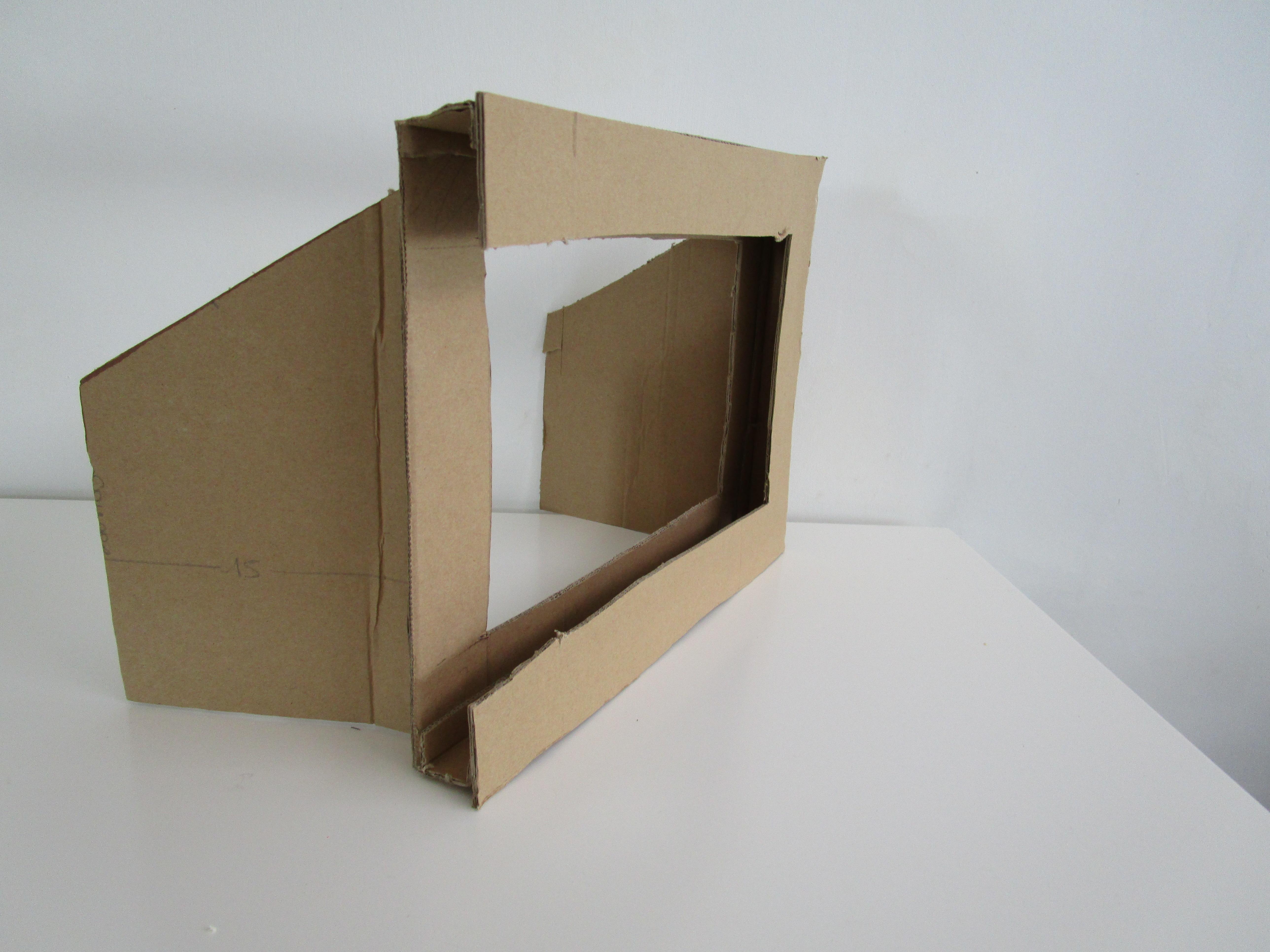 diy fabrication d 39 un buta en carton. Black Bedroom Furniture Sets. Home Design Ideas