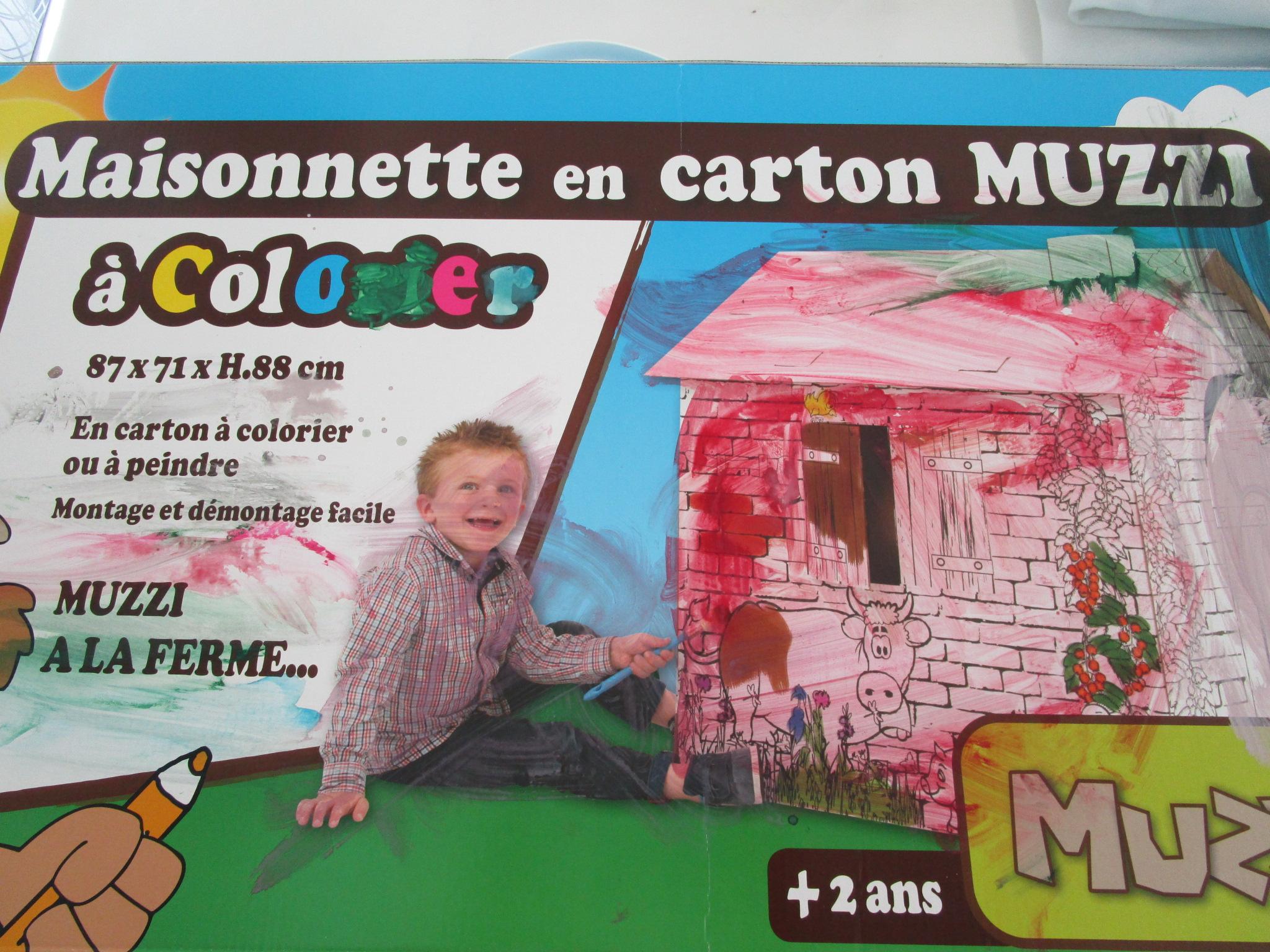 Une ferme en carton colorier blog activit s manuelles for Maison en carton a colorier